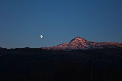 Moon rise Ben Lomond